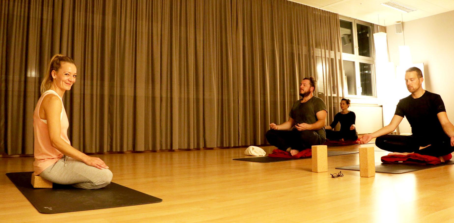 Meditation innere balance st rken erholung finden for Raumgestaltung yoga